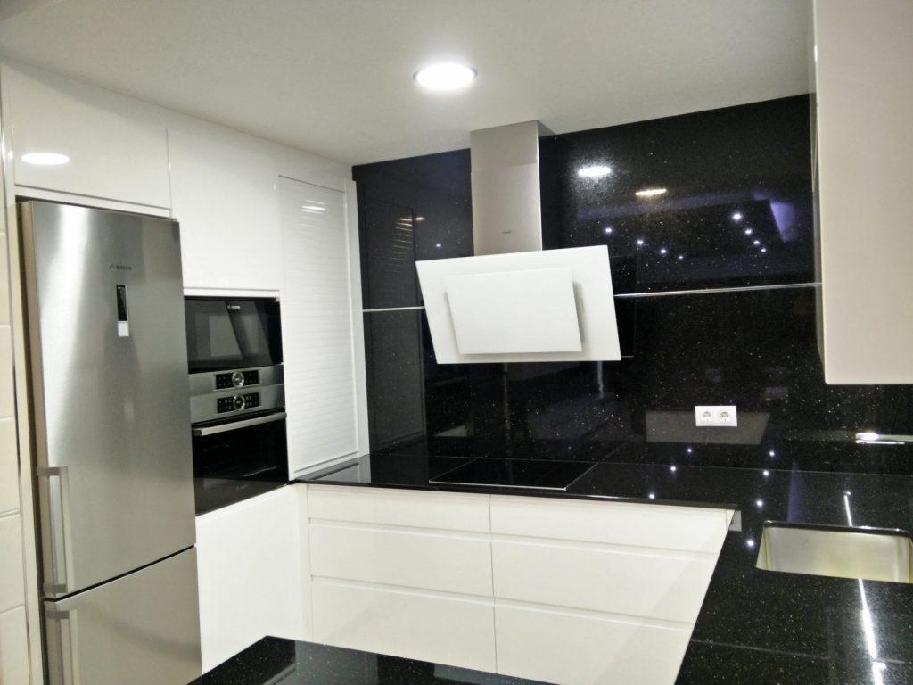 Cocina en Blanco y Negro - SICA