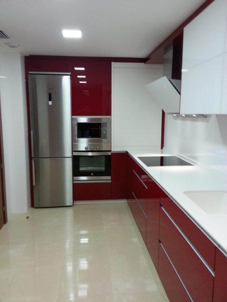 Cocina luxe burdeos estudio de cocinas sica - Cocinas color burdeos ...